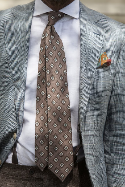 summer jacket and a linen tie